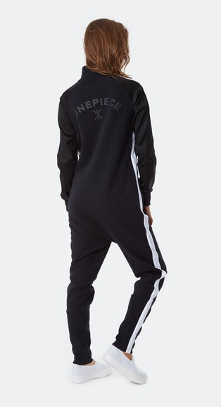 Onepiece Chill Jumpsuit Black